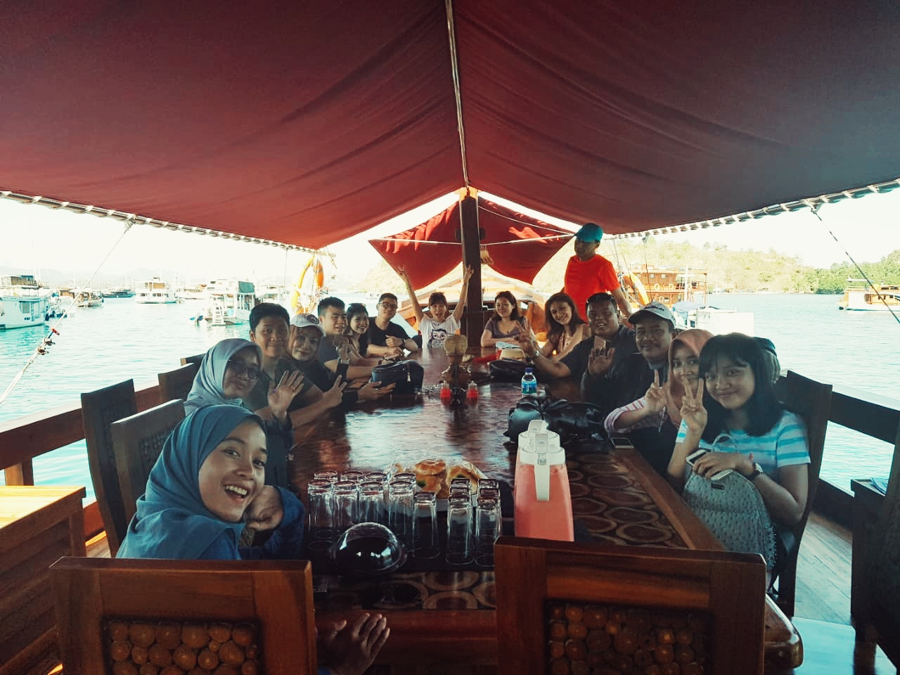 Komodo Tour 3d2n Sharing Tour Phinisi Boat